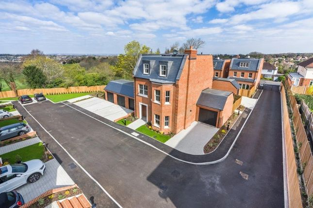 Thumbnail Detached house for sale in Purley Downs Road, South Croydon