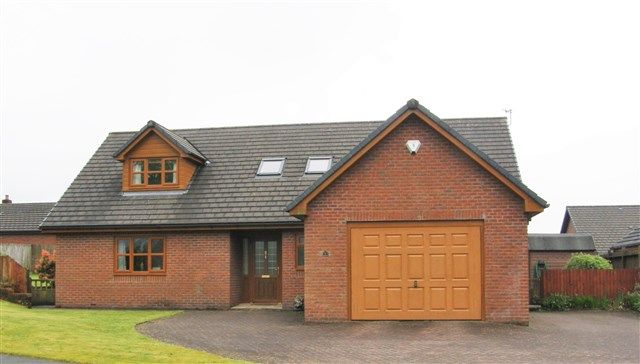 Thumbnail Bungalow for sale in 8 Tai Cae Mawr, Llanwrtyd Wells, Powys