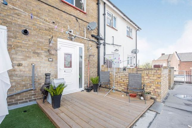 Thumbnail Flat for sale in The Broadway, Hornchurch