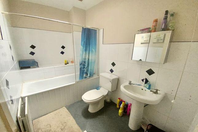 Bathroom of Nags Head Hill, St. George, Bristol BS5