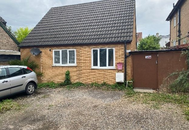 Thumbnail Shared accommodation to rent in Sandy Lane, Cambridge