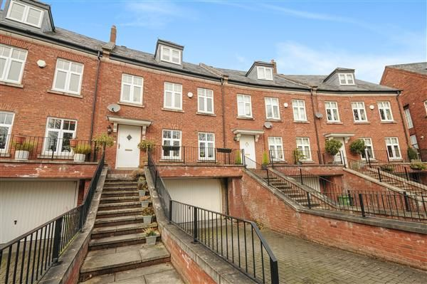 Thumbnail Mews house for sale in Eastgate, Macclesfield