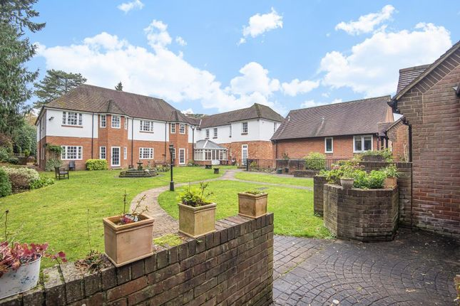 1 bed flat for sale in War Memorial Place, Henley-On-Thames RG9