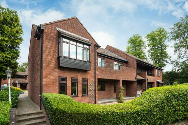 Thumbnail Flat to rent in Snells Wood Court, Little Chalfont, Amersham