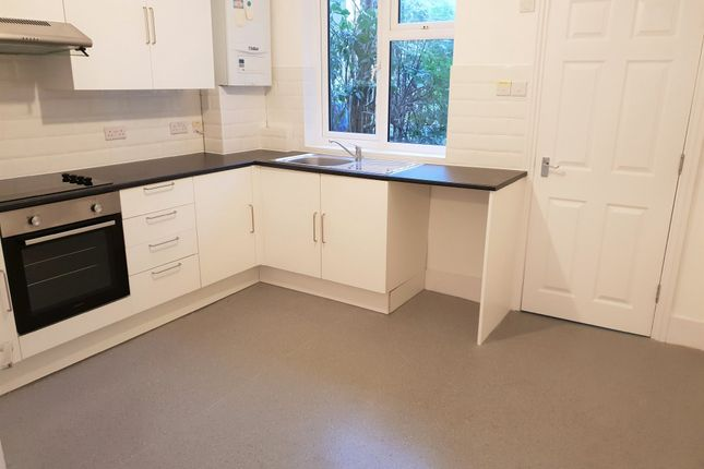 Thumbnail Flat to rent in Totland Road, Brighton, East Sussex