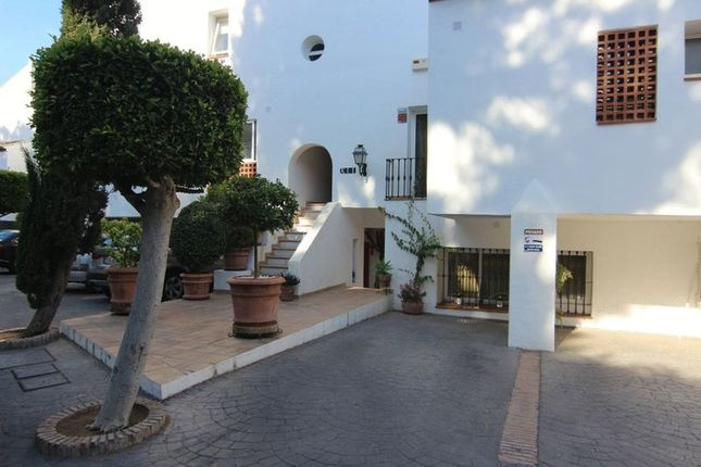1 bedroom apartment for sale in La Quinta, Benahavis, Malaga