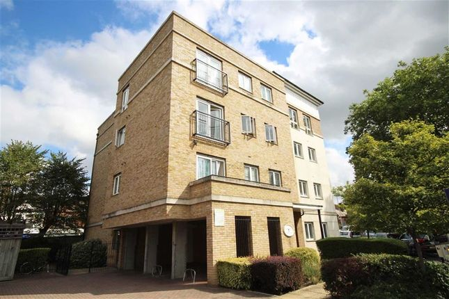 Thumbnail Flat to rent in Hawks Road, Norbiton, Kingston Upon Thames