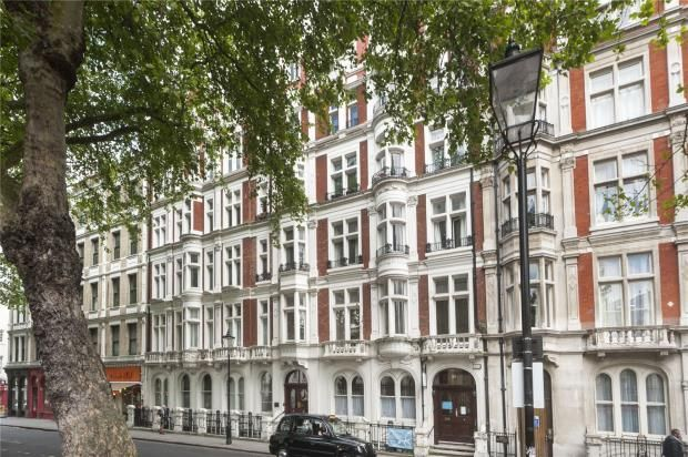 Picture No. 04 of Great Russell Mansions, Great Russell Street WC1B