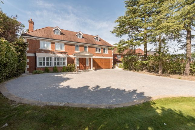 Thumbnail Country house for sale in Beech Hill, Barnet