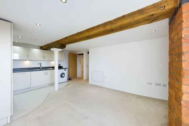 2 bed flat to rent in Lock Warehouse, The Docks, Gloucester GL1