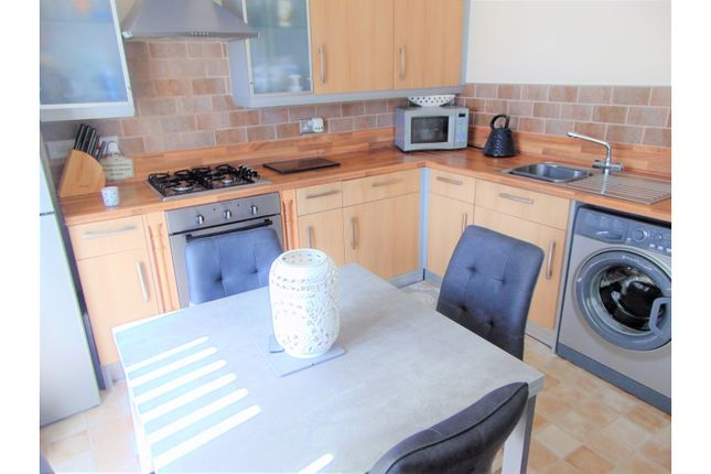 Kitchen / Diner of Fairbourne Walk, Oldham OL1