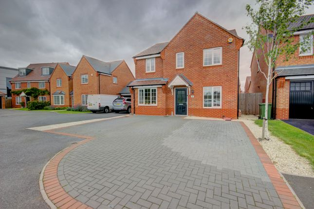Thumbnail Detached house for sale in Warinford Close, Warwick