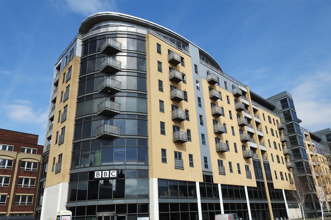 Thumbnail Flat to rent in Queens Court, Bbc Building
