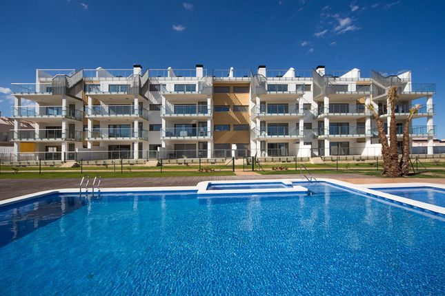 3 bed apartment for sale in Alicante, Spain