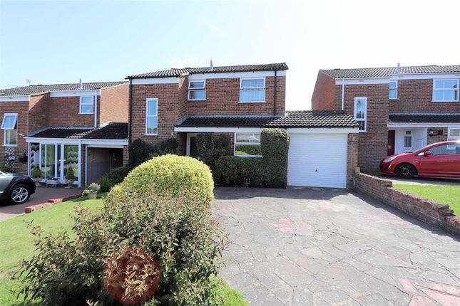 Thumbnail Link-detached house for sale in Cleveland Drive, Linslade, Leighton Buzzard
