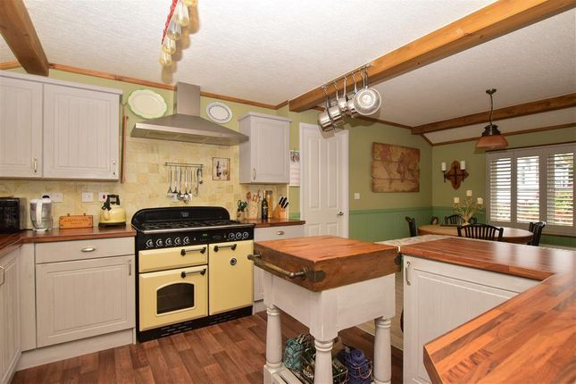 Thumbnail Mobile/park home for sale in Emms Lane, Brooks Green, Horsham, West Sussex