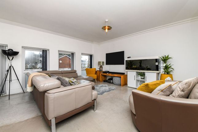 2 bed flat for sale in Church Street, Great Baddow, Chelmsford CM2