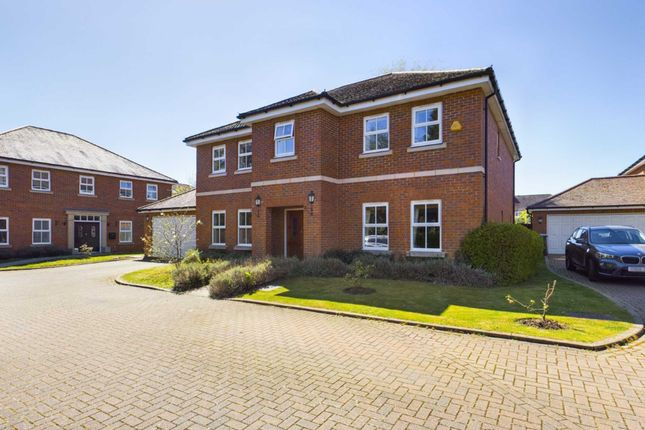 Thumbnail Detached house for sale in Clayton Drive, Leverstock Green