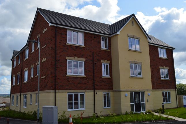 Thumbnail Flat to rent in Windsor Gardens, Bury