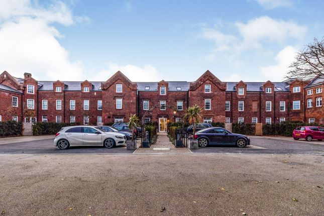 Thumbnail Flat to rent in Walnut Tree Place, Simon Theobald Close