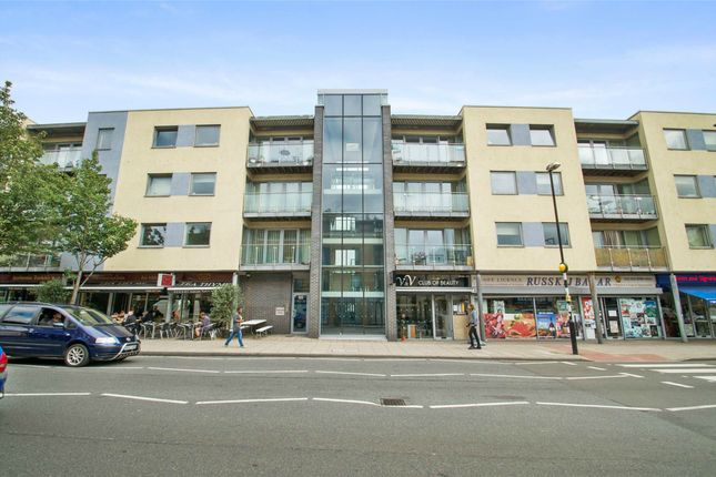 Thumbnail Shared accommodation to rent in Claremont House, Cambridge Heath Road