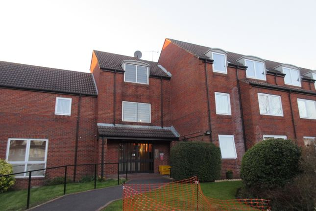 Thumbnail Flat to rent in Homewater House, Waterlooville