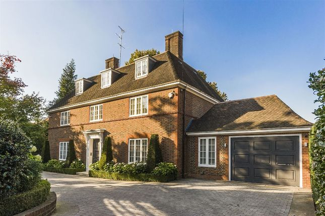 Thumbnail Property for sale in Ingram Avenue, Hampstead Garden Suburb