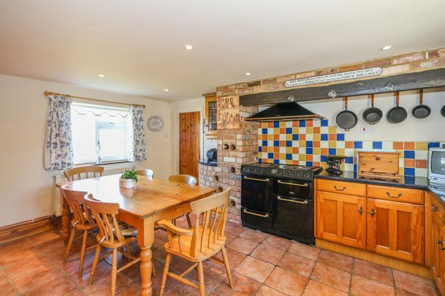 Thumbnail Property for sale in Woodford Road, Great Addington, Kettering