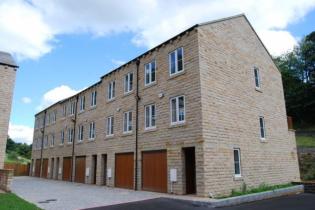 Thumbnail Town house to rent in Wildspur Mills, New Mill, Holmfirth