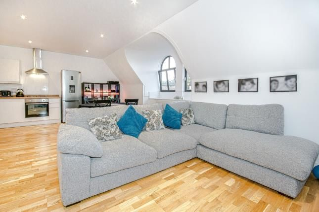 Thumbnail Flat for sale in 1 Whyteleafe Hill, ., Whyteleafe, Surrey