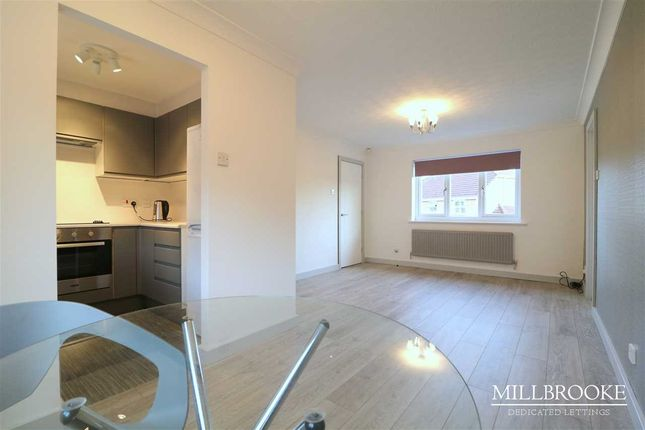 1 bed flat to rent in Millcrest Close, Boothstown