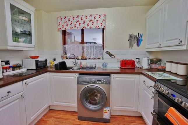Kitchen of Oldway Road, Paignton TQ3