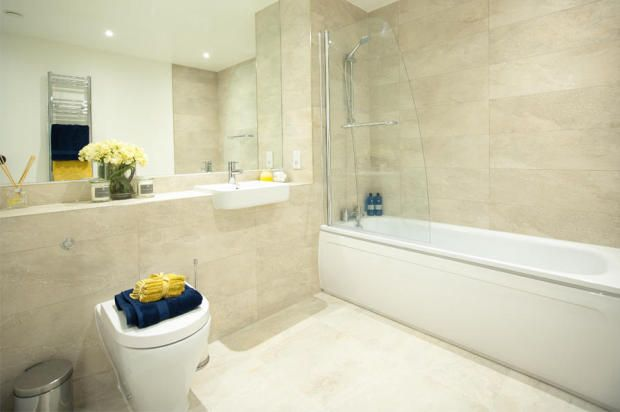 4 bedroom town house for sale in Hermitage Road, London