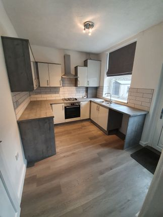 Thumbnail Cottage to rent in Manchester Road, Mossley, Ashton-Under-Lyne