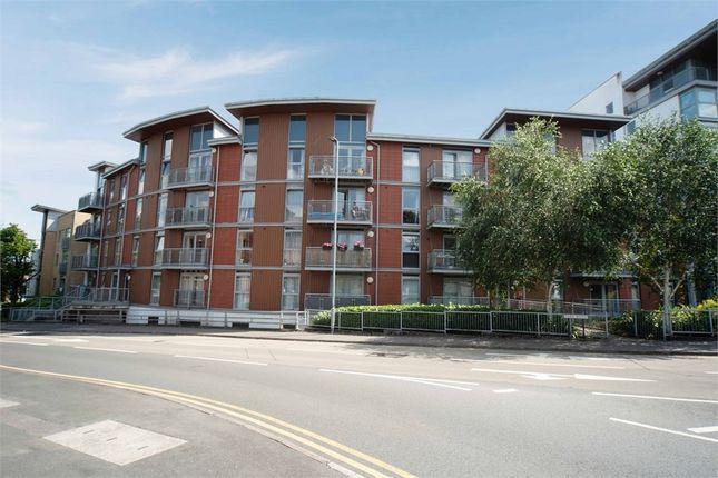 2 bed flat for sale in Kelvin Gate, Bracknell, Berkshire RG12