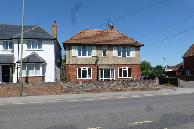Thumbnail Detached house to rent in Netherhampton Road, West Harnham, Salisbury