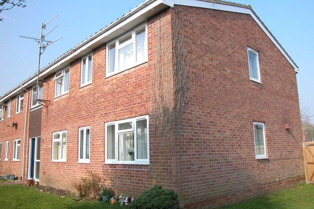Thumbnail Flat for sale in The Classics, Lambourn