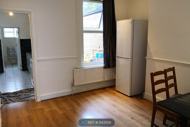 Thumbnail Terraced house to rent in Silvermere Road, London