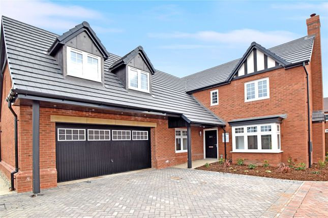 Thumbnail Detached house for sale in Hayfields, Upton Snodsbury Road, Pinvin