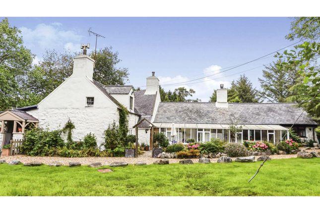 Thumbnail Country house for sale in Llandwrog, Caernarfon