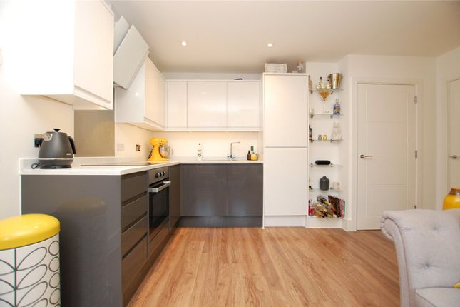 Picture No. 05 of Verve Apartments, 5 Mercury Gardens, Romford RM1