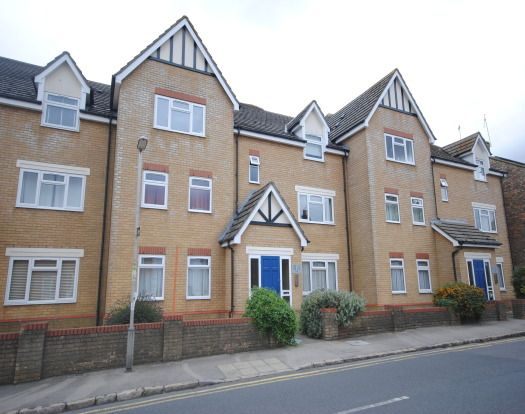 Thumbnail Flat to rent in Old Road, Linslade, Leighton Buzzard