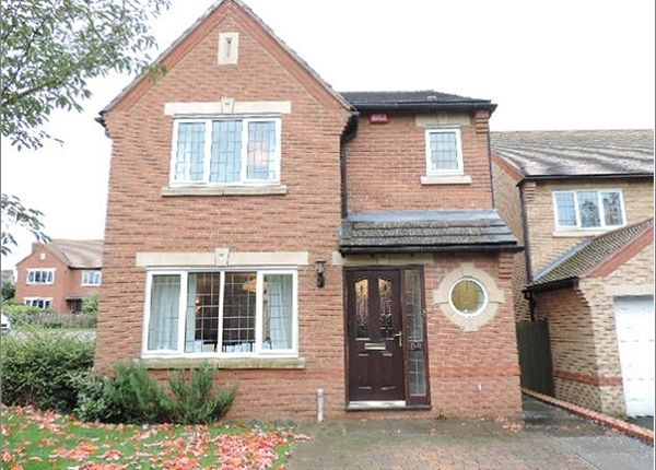 Thumbnail Property to rent in Saffron Close, Bicester