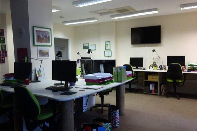 Serviced office to let in Watling Street, Paulerspury, Towcester