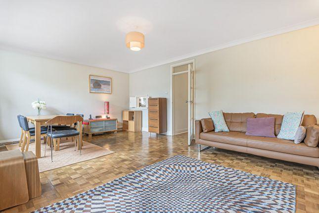 Thumbnail Flat for sale in Ravenscar Lodge, London
