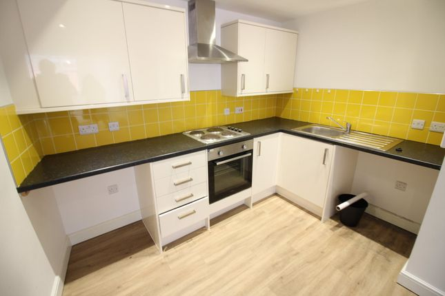 Flat to rent in Cambrian Road, Newport