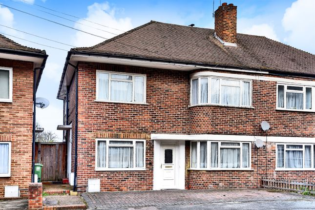 Thumbnail Maisonette for sale in Falcourt Close, Sutton