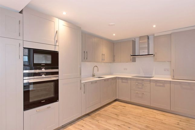 Thumbnail Flat for sale in Molesworth Street, Lewisham, London
