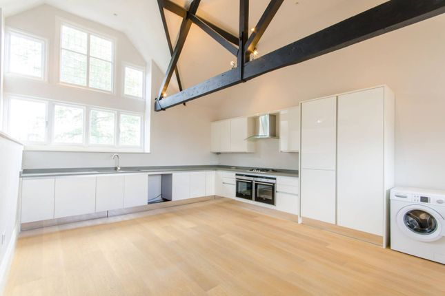 Thumbnail Flat to rent in The Ridgeway, Mill Hill
