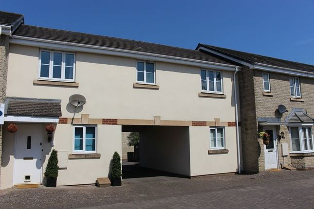 Thumbnail Flat for sale in Newbury Avenue, Calne